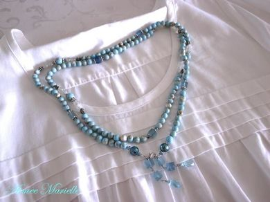 300811_bluenecklace5.jpg