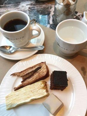 habitu_cakes.jpg